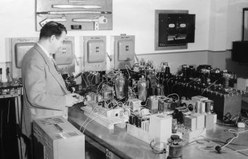 Vacuum Tubes and the Birth of Electronics