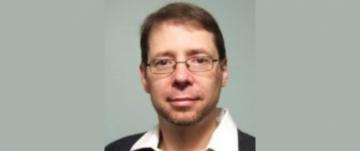 Roberto Rosales Receives UBC President's Staff Award